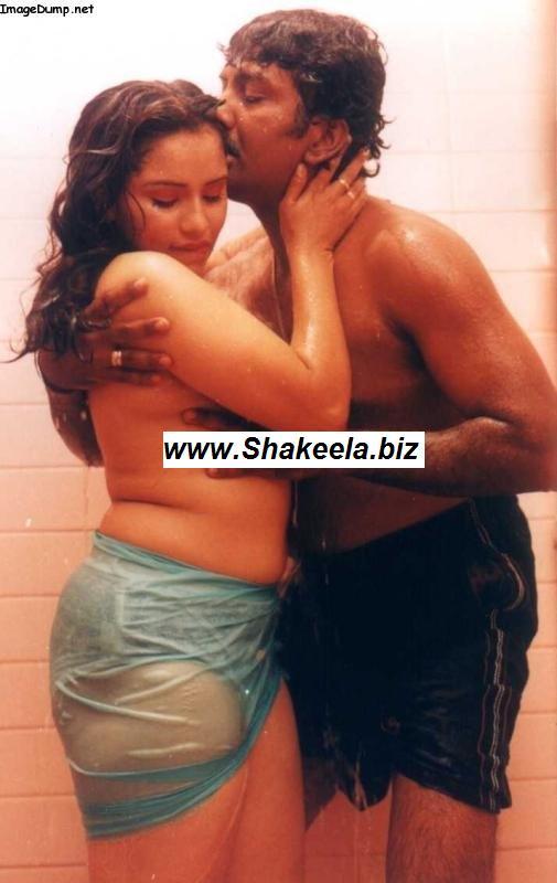 sexy reshma in her sexy bathing scene